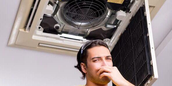 mal olor del aire acondicionado